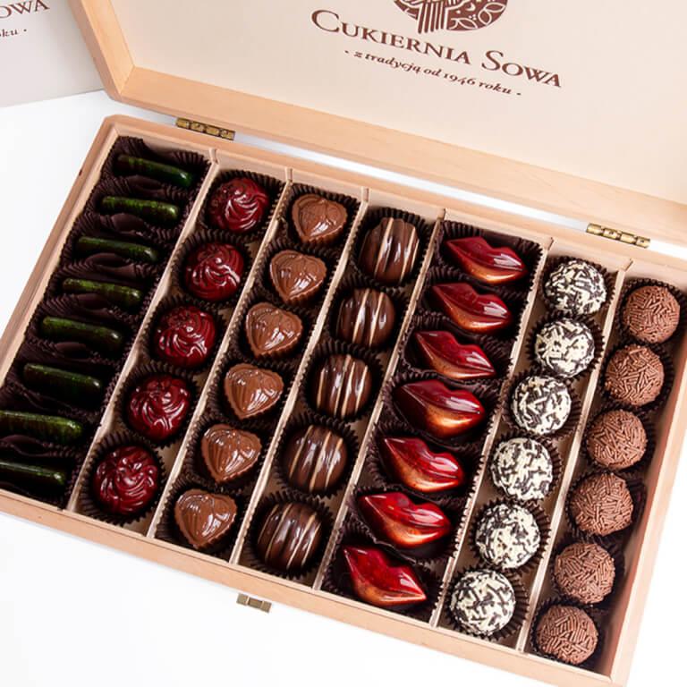Praliny w dużej skrzynce - Praliny - Galanteria czekoladowa - Zdjęcie 2