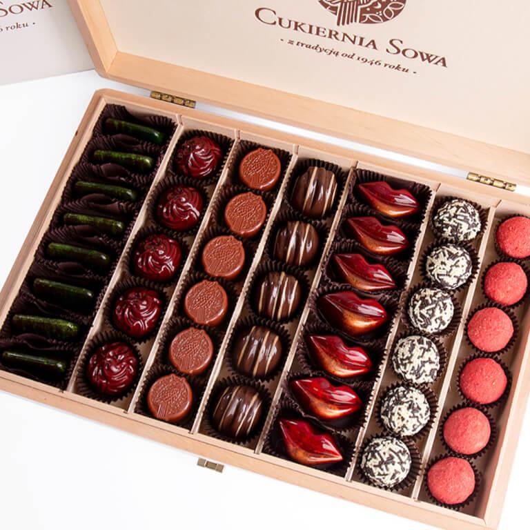 Praliny w dużej skrzynce - Praliny - Galanteria czekoladowa - Zdjęcie 1